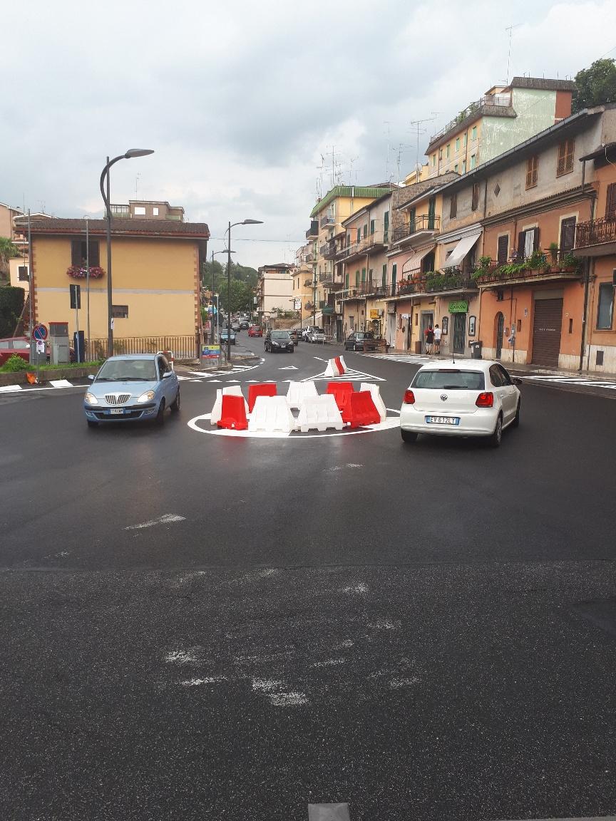 Messa in sicurezza Viale Ungheria - Mini rotatoria e segnaletica orizzontale